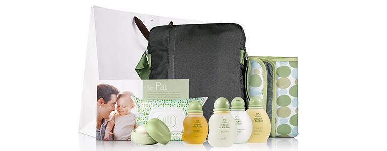 Presente Natura papai e bebê com bolsa e tapete multiúso